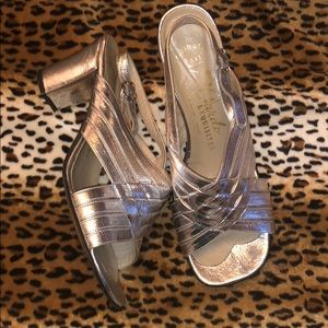 Vintage silver heels 50s 60s 70s size 8